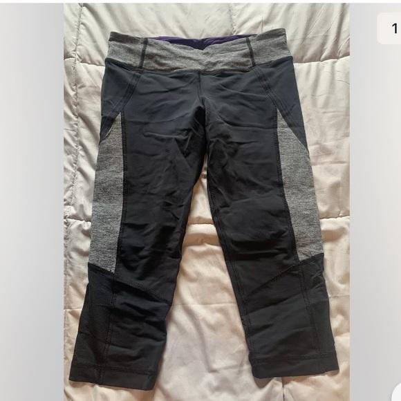 Lululemon Capri leggings mesh panels Size 6